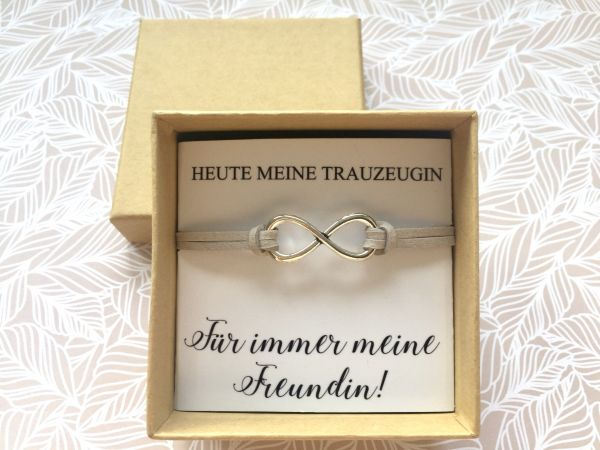 Geschenk für die Trauzeugin Armband Infinityzeichen in Geschenkschachtel