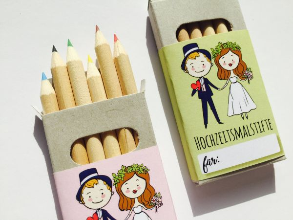 Buntstifte im Hochzeitsdesign | Gastgeschenk Hochzeit für Kinder